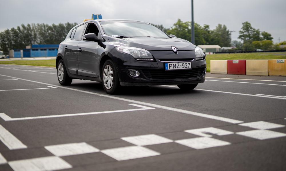 Aszucar Renault Megane jogosítvány kecskemét